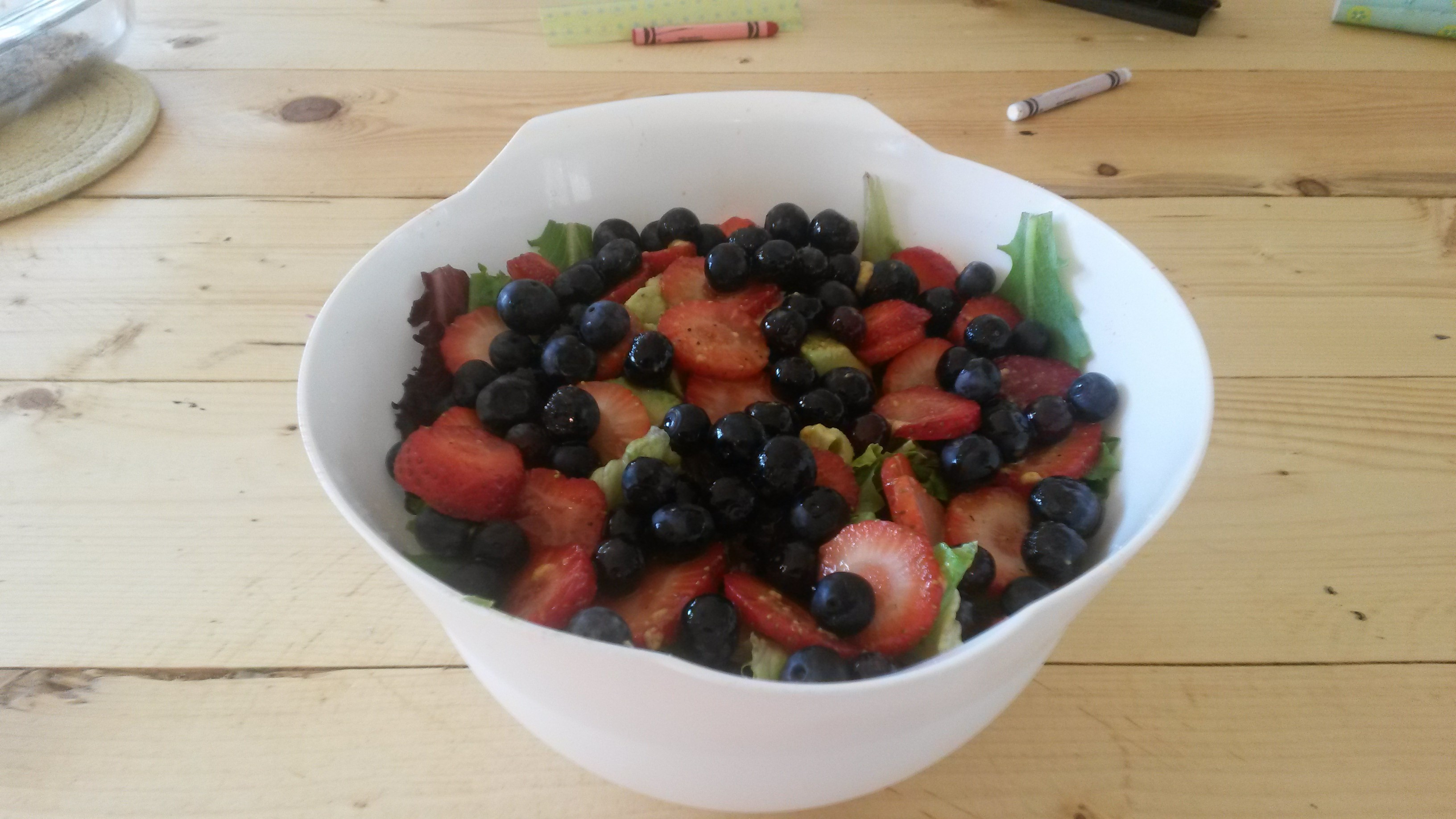 cool foods in hot summer: main dish salad